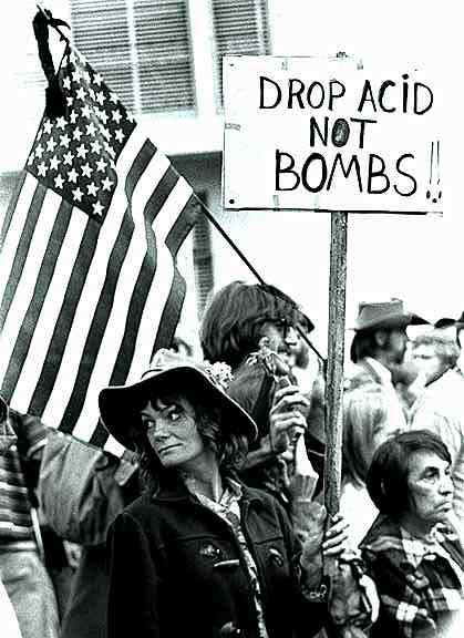 [Picture of Anti War March]